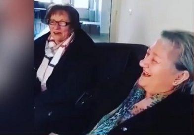 """Dream team babe, kraljice etno estrade u Hercegovini pjevaju bećarac: """"Kupi šljivu afričku, nek' ti tvrdo stoji"""""""