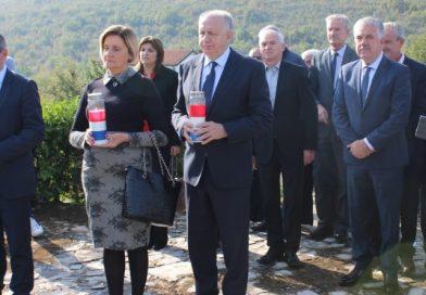 VIDEO Održan komemorativni skup u spomen na brigadira Božana Šimovića i stradale hrvatske branitelje